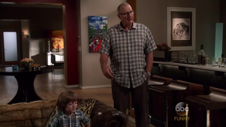 Modern-Family-Season-7-Episode-22-44-72c5